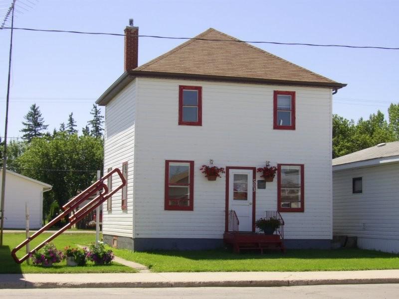 Paper Clip Cottage