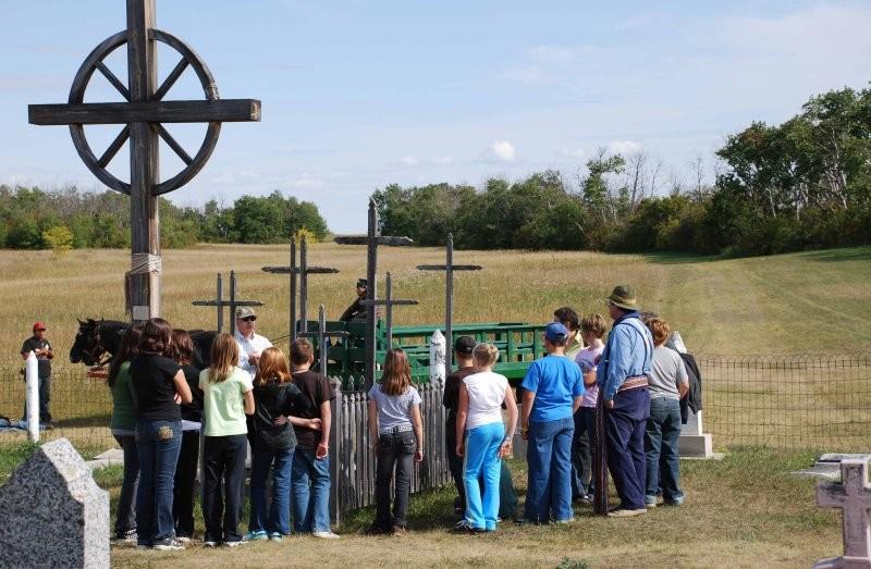 A visit at Gabriel Dumont's grave